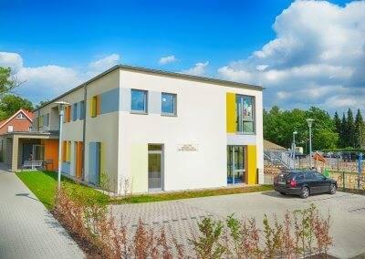 Genau wie die KiTa Arpke besitzt auch die KiTa Ahlten eine Wärmedämmverbundfassade.