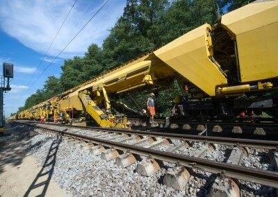 Zwischen Weingarten und Karlsruhe Durlach wurden 11.300 Meter Gleiserneuerung vorgenommen.